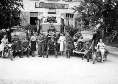 Soldaten vor dem Leue, zwischen 1939 und 1945_3
